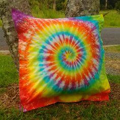 Loving those colours! Colours