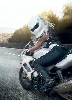 Motorcycle Helmet(The way Women ride! Biker Chick, Biker Girl, Yzf R125, Chicks On Bikes, Custom Helmets, Hot Bikes, Riding Gear, Motorcycle Helmets, Bike Life