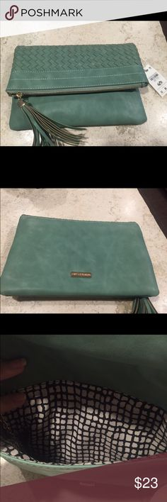 NWT urban expressions clutch Teal. Comes with removable gold chain Bags Clutches & Wristlets