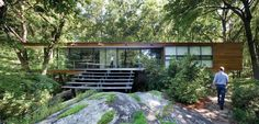 "make it relate to the site: ""Rado Redux"" (Armonk, New York), a renovation by Peter Gluck and Partners."
