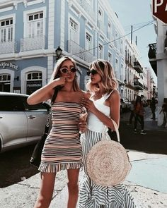 @lucindawelshh Street Trends, Womens Fashion For Work, Fashion Over 50, Holiday Outfits, Summer Outfits, Fashion Group, Fashion Outfits, Straw Bag, Panama Hat