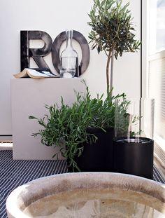 Hitta hem | Rofylld hörna på balkongen Decor, Home And Garden, Outdoor Decor, Small Garden, House Design, Modern Balcony, Mini Garden, Roof Terrace, Inspiration