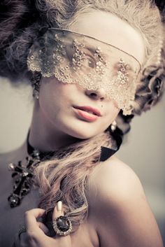 """@Danielle Snyder I love this """"mask"""" idea, with just lace instead of the form fitting mask... so goth-vampire-victorian-new orleans"""