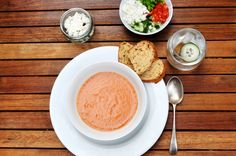 Gazpacho it is a cold tomato soup made using raw ingredients. Absolutely no cooking involved! Gazpacho, Tomato Soup, Cooking Recipes, Lunch, Entertaining, Cold, Chef Recipes, Eat Lunch