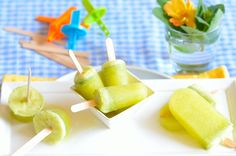 It is spring! Although the weather here in Texas more closely resembles summer. It is time to refresh ourselves. What better than a homemade iced fruit treat… But with so many delicious fruit choices, which one to chose? In Brazil, there is a combination of flavors that is spectacular: pineapple with mint. It can be …
