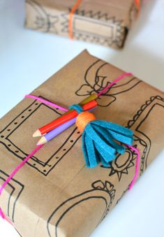 Make your own wrapping paper for little artists.  Gloucestershire Resource Centre http://www.grcltd.org/scrapstore/