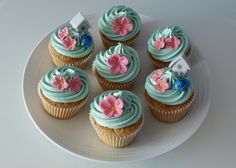bird House Cupcakes by Cakes by Lynz, via Flickr