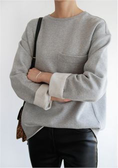 outfit | minimalist goods delivered to you quarterly @ minimalism.co. #minimal #style #design