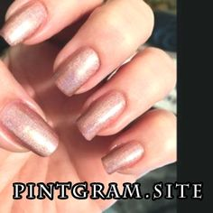 Flower Lady Classic Pink Holographic Nail Polish - The most beautiful nail models Pink Holographic Nails, Nail Polish Flowers, Gold Acrylic Nails, Wedding Band Sets, Flower Fashion, White Gold Rings, Vintage Pink, Fun Nails, I Am Awesome