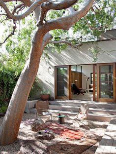 20 Bohemian Room Decor Ideas for the Ultimate Free Spirit - Exterior Design Outdoor Rooms, Outdoor Gardens, Zen Gardens, Outdoor Living Spaces, Courtyard Gardens, Garden Oasis, Indoor Outdoor Living, Outdoor Kitchens, Terrace Garden
