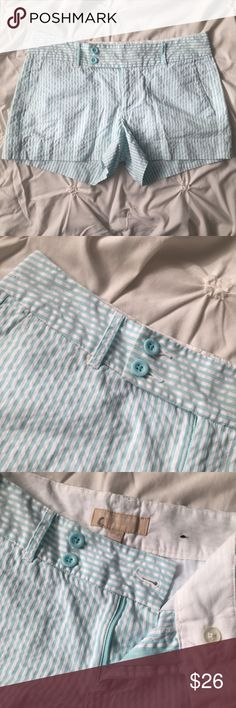 """Banana Republic Ryan Fit Blue/White Stripe Shorts Banana Republic Ryan Fit Blue & White Striped Seersucker Shorts - size 2 - 10.5"""" long - 3.5"""" inseam  ----- 🚭 All items are from a non-smoking home. 👆🏻Item is as described, feel free to ask questions. 📦 I am a fast shipper with excellent ratings. 👗I love bundles & bundle discounts. Feel free to make an offer! 😍 Like this item? Check out the rest of my closet! 💖 Thanks for looking! Banana Republic Shorts"""