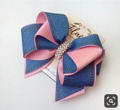 Brazilian Crochet And Handicraft Gold Hair Bow, Ribbon Hair Bows, Diy Hair Bows, Diy Bow, Kids Hair Accessories, Boutique Hair Bows, Bow Tutorial, Making Hair Bows, Baby Girl Fashion