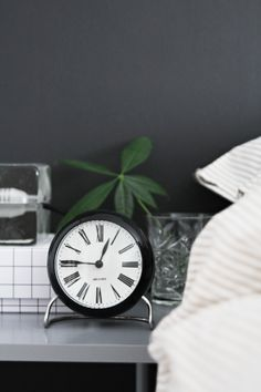 Arne Jacobsen clock from our shop. Photo via Stylizimo. Bedroom Black, Take Me Home, Cloud 9, Scandinavian Modern, Blog Design, Home Deco, Interior Inspiration, Home Accessories, Black And White