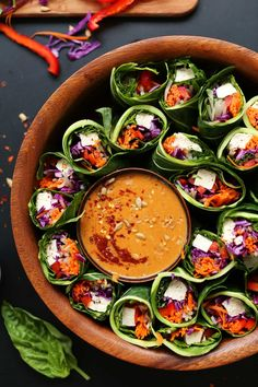 AMAZING Collard Green, Veggie, + Tofu Spring Rolls with SUNBUTTER Dipping Sauce! A healthy, hearty, meal! Clean Eating, Healthy Eating, Healthy Detox, Healthy Food, Sunflower Butter, Vegetarian Recipes, Healthy Recipes, Baker Recipes, Think Food