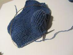 Strikk og tøys: Babysokk trinn for trinn - illustrert Baby Barn, Baby Socks, Baby Knitting Patterns, Knitted Hats, Diy, Fashion, Creative, Moda, Bricolage
