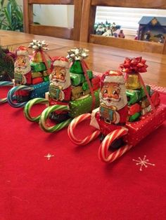27 Super Easy Homemade Christmas Gift Ideas 3 Christmas presents – strange Christmas ideas Out of all things that we have previously discovered Christmas Candy Crafts, Easy Homemade Christmas Gifts, Xmas Crafts, Christmas Projects, Simple Christmas, Homemade Gifts, Christmas Decorations, Christmas Treats, Christmas Gift Ideas