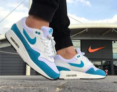 """WMNS Nike Air Max 1 """"Atomic Teal"""" , worn by ! What dope CW ! Will pop off in the summ. Nike Air Max, Air Max 1s, Air Max Sneakers, Sneakers Nike, Bleu Turquoise, Teal, Blue, Walk Run, Nike Shoes"""