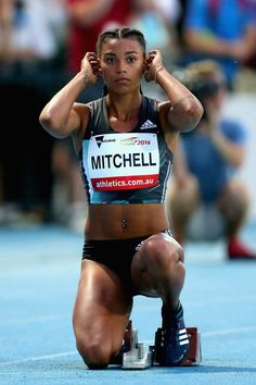 This is her prepping to run: | Sorry To The American Olympic Team But Morgan Mitchell Has Me Rooting For Australia