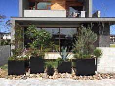 アイアンプランターのある庭 – GREEN DESIGN EN'S(グリーンデザイン エンズ)