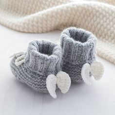 Lovely soft cashmere baby booties with angel wings. Made from our super soft cashmere blend yarns Angel Wings Cashmere Booties. Lovely soft cashmere baby booties with angel wings. Made from our super soft cashmere blend yarns Crochet Baby Booties, Knit Crochet, Hand Crochet, Baby Shower Gifts, Baby Gifts, Pinterest Crochet, Knitting Patterns, Crochet Patterns, Crochet Ideas