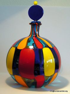 Everything made of Glass Bottle Vase, Glass Bottles, Glas Art, Art Of Glass, Antique Perfume Bottles, Ceramic Painting, Glass Design, Hand Blown Glass, Crafts
