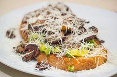 Que también tenemos deliciosas tostas en #carmencitabar !! #madrid #condeduquegente #condeduquemolamucho #condeduquegente #tosta#spain #avocado by carmencita.bar