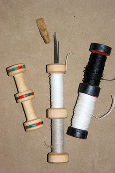 Reproduction Needle and thread from the Mary Rose. Thread winders like these were used right up to the century Medieval Crafts, Survival Fishing, Sewing Equipment, Leather Working Tools, Heavy And Light, Medieval Life, Lathe Projects, Needle Case, Make A Case