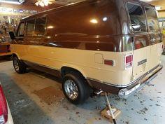 Chevrolet Van, Chevy Vans, Dodge Van, 70s Style, Custom Vans, Cars And Motorcycles, Transportation, Trucks, Culture