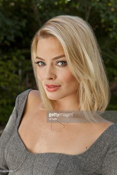 Actress Margot Robbie is photographed for Los Angeles Times on January 2014 in Los Angeles, California. Cabelo Margot Robbie, Atriz Margot Robbie, Margot Robbie Style, Actress Margot Robbie, Margot Robbie Harley Quinn, Margret Robbie, Tarzan, Beautiful Celebrities, Blonde Hair