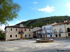 El Recuenco  PortalGuada   El Recuenco es un municipio y localidad de la provincia de Guadalajara, en la comunidad autónoma de Castilla-La Mancha, en España. Está ubicado entre la serranía de Cuenca, la Alcarria y el Alto Tajo.