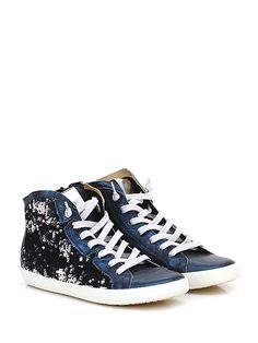 Donna Carolina - Sneakers - Donna - Sneaker in pelle laminata e paillettes con zip su lato interno e suola in gomma. Tacco 20. - NAVY - € 199.00