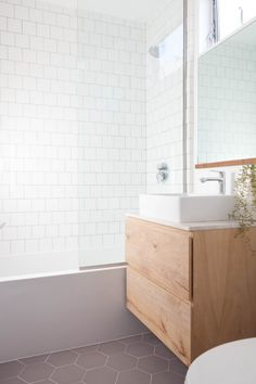 White Square tile bath tub wall