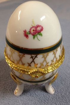 PORCELAIN HINGED FOOTED FLORAL EGG JEWELRY/ VANITY/ TRINKET BOX