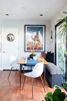 An IKEA Hack for Creating a Breakfast Nook, Even in the Smallest of Spaces – Top Trend – Decor – Life Style Dining Nook, Dining Room Sets, Dining Room Design, Dining Room Table, Ikea Dining Table Hack, Design Kitchen, Kitchen Interior, Small Living Dining, Small Living Rooms