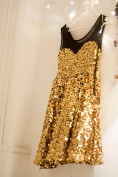 Black, white + gold      More lusciousness at www.myLusciousLife.com