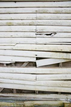 old weatherboard wooden wall background  - http://www.myfreetextures.com/weatherboard-wooden-wall-background/