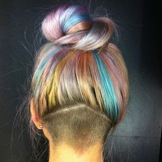 Rainbow (many color) pastel hair color - Latest Hair Styles - Cute & Modern Hairstyles For Men & Women Undercut Hairstyles, Pretty Hairstyles, Undercut Girl, Female Undercut, Rainbow Hairstyles, Undercut Women, Scene Hairstyles, Bold Hair Color, Hair Colors