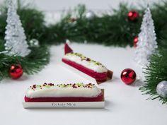 A Éclair de natal é feita com maçãs frescas e finalizada com cravo e canela para dar o sabor e o espirito do natal.<br /><br />Joyeux Noël!!<br /><br /><br />__________<br /><br />#eclairmoi #eclair #saopaulo #sp #paris #patisserie #jardins #dessert #food #desserts #yum #yummy #amazing #instagood #instafood #sweet #chocolate #cake #icecream #dessertporn #foodforfoodies #redvelvet