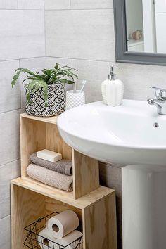 〚 Cozy Madrid home that owners restored from ruins 〛 ◾ Photos ◾Ideas◾ Design Small Bathroom Storage, Simple Bathroom, Bathroom Ideas, Bad Inspiration, Bathroom Inspiration, Small Space Organization, Bathroom Organization, Organization Ideas, Bathroom Interior