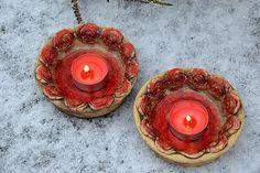 svícen kulatý s růžemi-červený-2 ks skladem