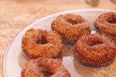 Recipe for Gingerbread Doughnuts Roasted Chestnuts, Christmas Countdown, Doughnuts, Bagel, Gingerbread, Food And Drink, Easy, Desserts, Blog