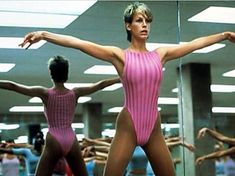 Famous scene: Davina also made reference to the 1985 film Perfect, in which Jamie Lee Curtis and John Travolta are seen performing pelvic thrusts Jamie Lee Curtis Perfect, Jamie Lee Curtis Young, Vanity Fair, Acne Studios, 80s Workout, Workout Barbie, Free Workout, Workout Gear, Workout Videos