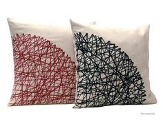 Geometric cushion / Cojín geométrico granate Beccatextile , Etsy