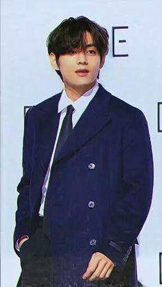 Taehyung Abs, Kim Taehyung Funny, Bts Jungkook, Bts Photo, Foto Bts, Kpop Gifs, V Video, Bts Beautiful, Bts Face
