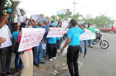 Vídeo: Técnicos del Distrito Escolar 10-02 de Sabana Perdida protestan y exigen regulación estatus laboral