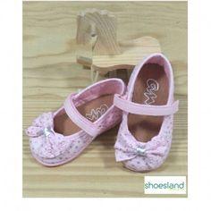 e62372342 Zapatillas de lona tipo merceditas para niñas en un dulce color rosa con  detalle de lazo