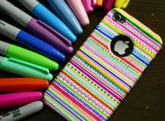 Told ya Sharpies are great! DIY: Tribal print iPhone case - made with sharpies and time Sharpie Projects, Sharpie Crafts, Craft Projects, Craft Ideas, Diy Ideas, Sharpie Designs, Project Ideas, Decorating Ideas, Sharpie Phone Cases