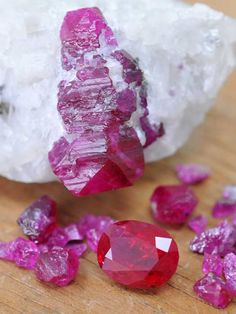 Rubies from Jegdalek, Afghanistan... Sweet beautiful gems! fieldgemology.org where passion for gemology (gemmology) and traveling meets!.
