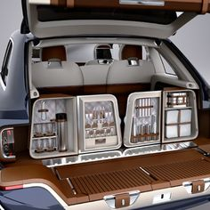 Bentley SUV - amazing organizer