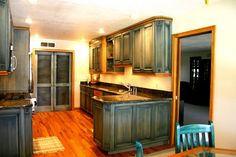 kitchen cabinets - picture with beautiful tile back splash!